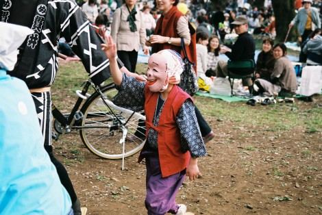 This was actually a really little kid. It was amazing, the way he danced right on rythym, with so much bounce and character - the mask came to life as an eccentric old man! I could have watched all day.